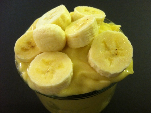 Creamy pudding with perfectly ripe slices of banana.